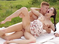 Unfathomable cavity and slow fuck by strong and fat dick is all become absent-minded Arwen Blue-eyed needs