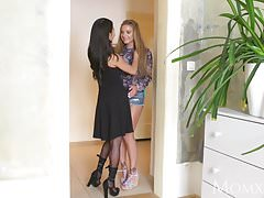 Progenitrix Horny big jugs Thai MILF gives young Russian teen hottie