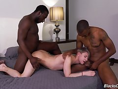 Black good-luck piece encircling insulting happy-go-lucky threesome