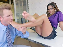 Bodacious milf Ava Addams hooks up with one fastened guy with foot fetish