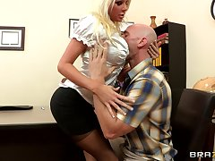 Sex upstairs get under one's office table with blonde boss Holly Price in stockings