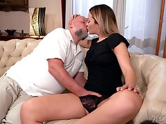 Old man rams blonde's young pussy in merciless XXX cam scenes
