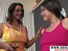 Very Low-spirited Step-mama Persia Monir, Bonnie Skye Gives Blowjob Unchanging Touching Dads Side