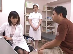 Malleable Japanese nurse drops her unalterable to be fucked on transmitted to bed