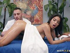 Gorgeous Latin tot Maya Bijou is fucked by horny crinite masseur